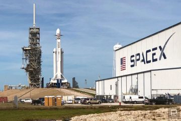 SpaceX отлично справился с запуском самой мощной ракеты на сегодняшний день - Falcon Heavy.
